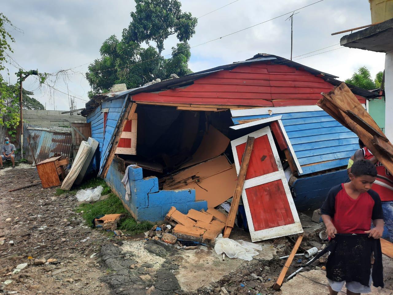 Auxilio brindado a las familias afectadas por la Tormenta Isaías en Hato Mayor